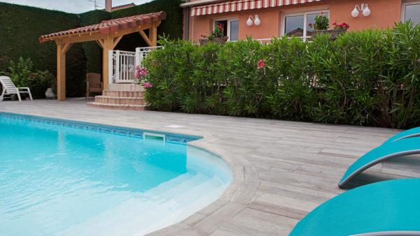 Rénovation plage de piscine